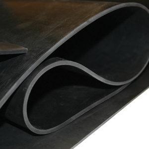Резина масло и бензостойкая. Толщина 1 мм.